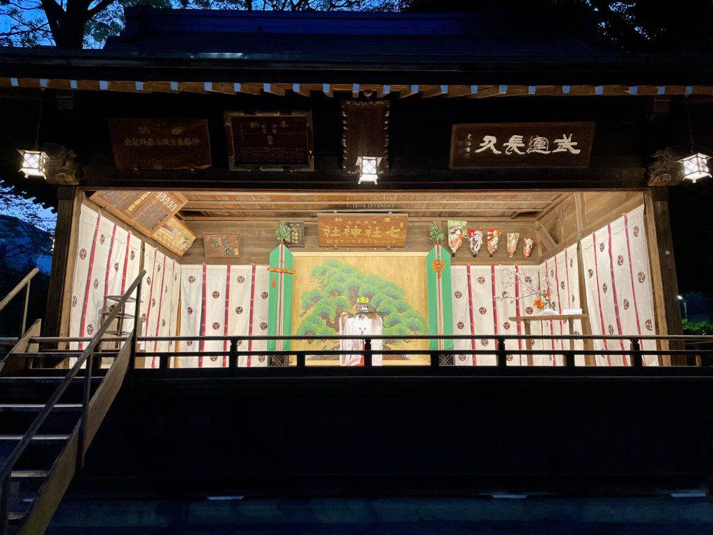 夜桜と舞殿(令和3年4月3日)